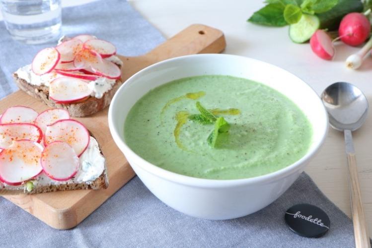 gaspacho-soupe-concombre-menthe-ricotta-brebis-radis.jpeg