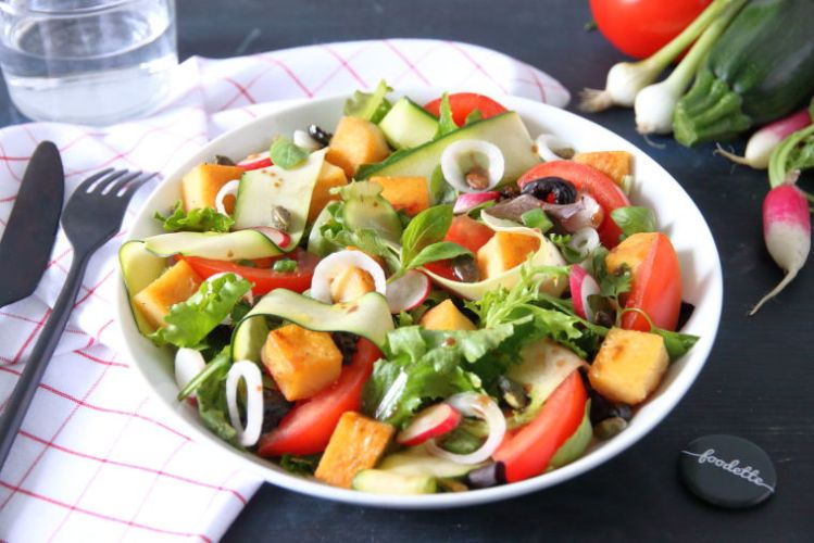 salade-provence-provencale-marseille-panisses-pois-chiches-tomates-courgette-olives.jpeg